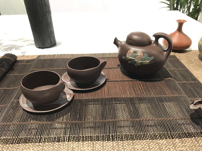 紫砂展品1——情侶壺.jpg